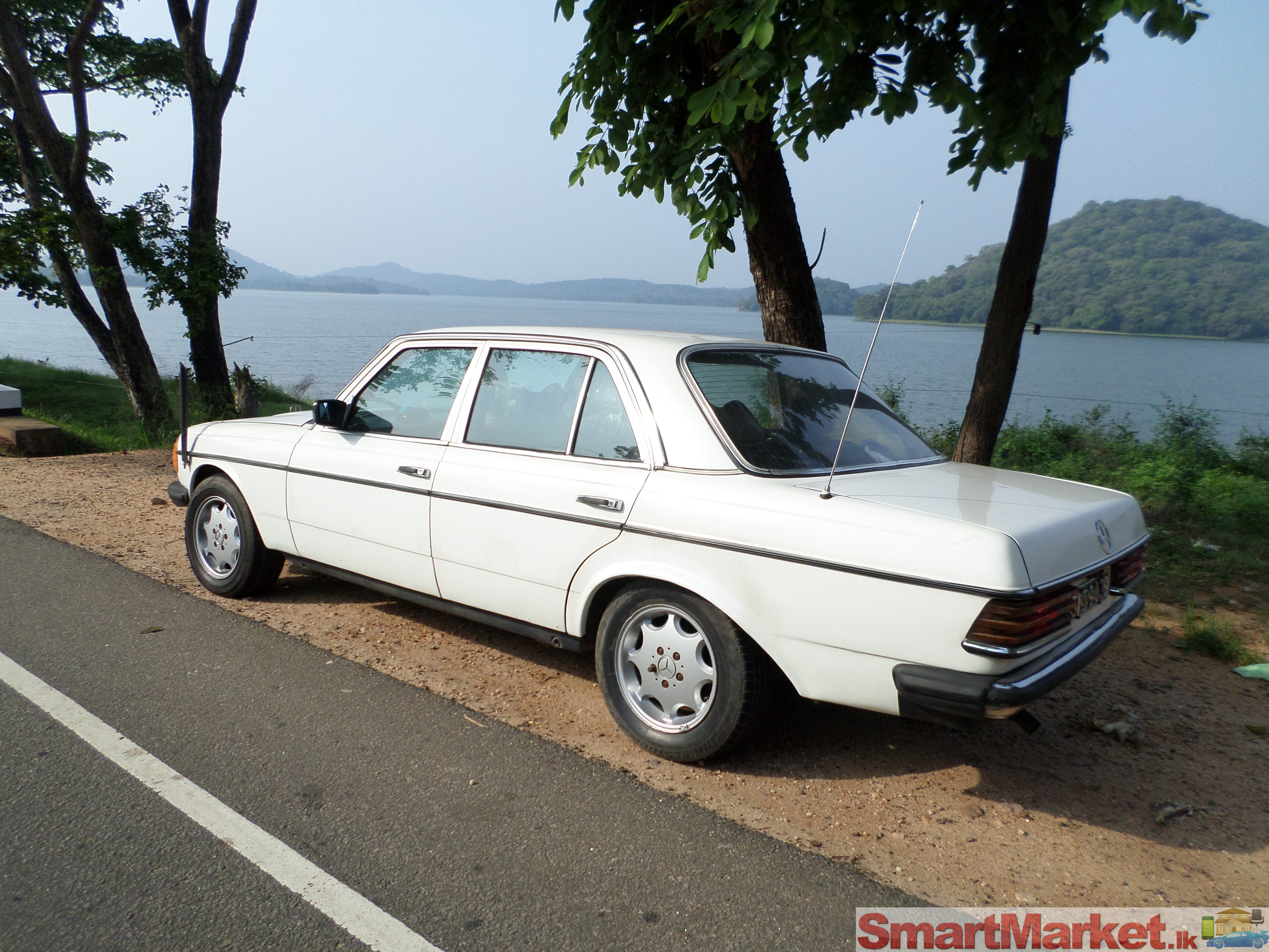 Mercedes benz w123 for sale in sri lanka for Mercedes benz w123 for sale