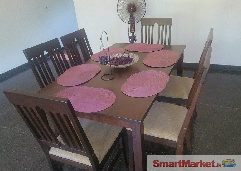Singer Dining Table With 6 Chairs